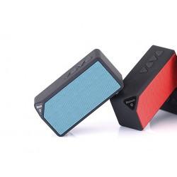 altavoz-bluetooth-prisma-rojo-coolbox-1.jpg